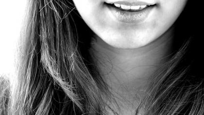 O co chodzi z tym powiększaniem ust?